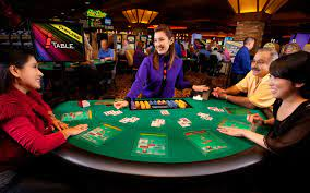 Texas Holdem Poker - Cyberspace Type Card Rooms In Live Casinos - Like Playing Texas Holdem Online